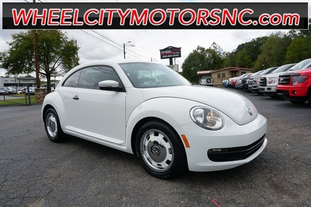 Volkswagen Beetle 1.8T Classic in Asheville