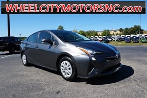 Picture of a 2016 Toyota Prius Two