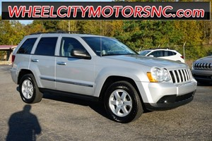 Picture of a 2010 Jeep Grand Cherokee Laredo