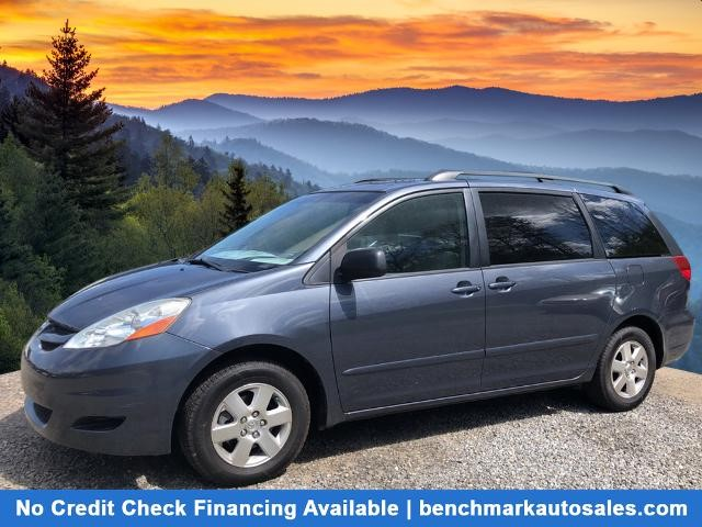 A used 2006 Toyota Sienna LE 8 Passenger Asheville NC