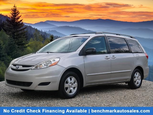 A used 2006 Toyota Sienna LE 7 Passenger Asheville NC