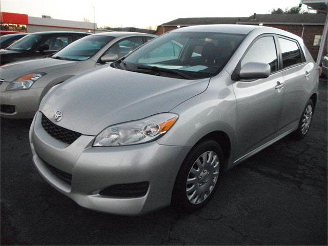 2010 Toyota Matrix Base 5-Speed MT for sale by dealer