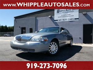 2006 LINCOLN TOWN CAR SIGNATURE for sale by dealer