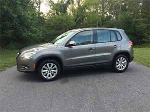 Picture of a 2010 Volkswagen Tiguan S 2.0 TURBO *ONE OWNER*