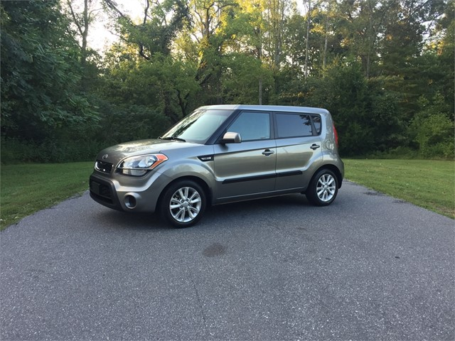 Kia Soul Base *ONE OWNER* in Stokesdale