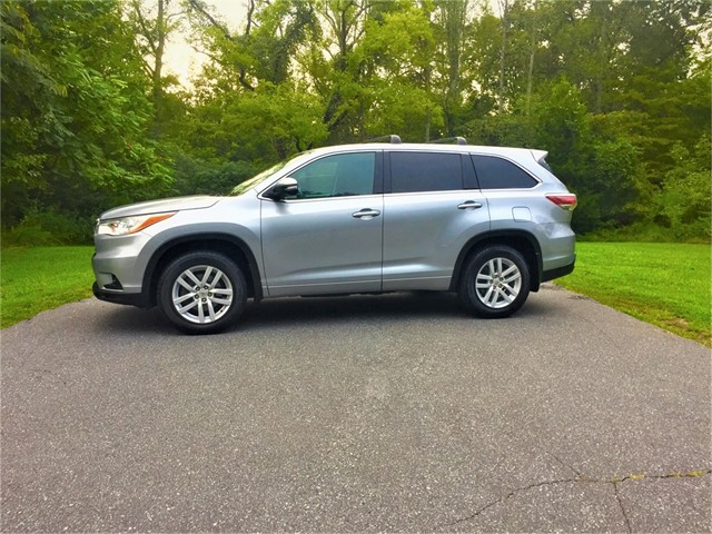 Toyota Highlander LE AWD V6 in Stokesdale