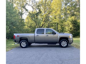 Picture of a 2013 Chevrolet Silverado 2500HD LT Crew Cab 4WD