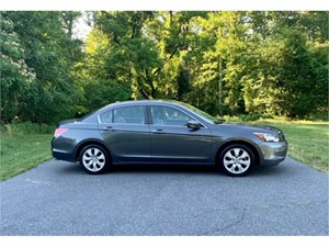 Picture of a 2010 Honda Accord EX-L Sedan AT