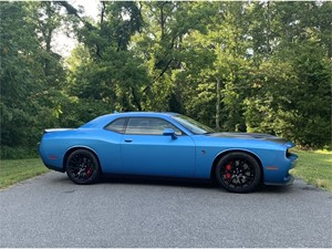 Picture of a 2016 Dodge Challenger SRT Hellcat