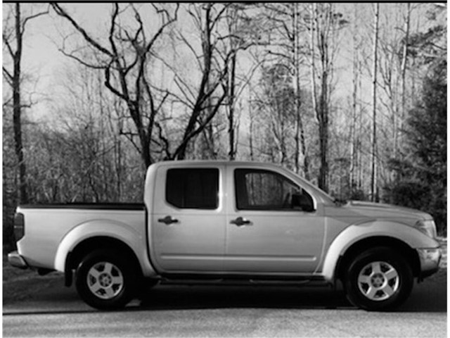 Nissan Frontier LE Crew Cab 4WD in Stokesdale