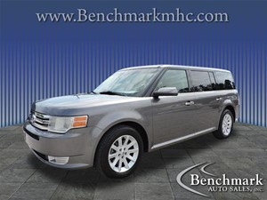 Picture of a 2010 Ford Flex SEL