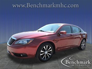 Picture of a 2011 Chrysler 200 S