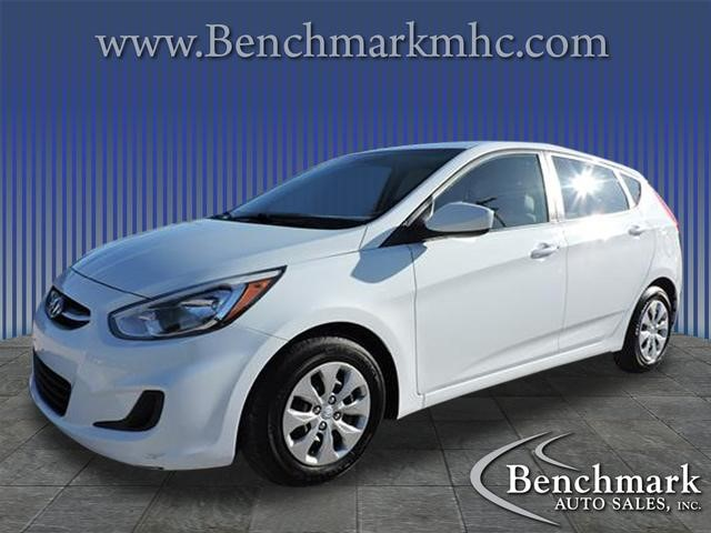Picture of a used 2017 Hyundai Accent SE