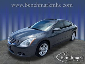 Picture of a 2011 Nissan Altima 3.5 SR