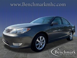 Picture of a 2005 Toyota Camry XLE