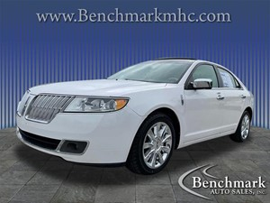 Picture of a 2011 Lincoln MKZ