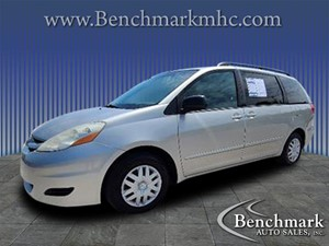 Picture of a 2010 Toyota Sienna LE