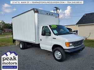 Picture of a 2005 Ford E-350 Super Duty 14FT BOX TRUCK