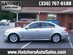 Picture of a 2013 Hyundai Genesis 3.8L