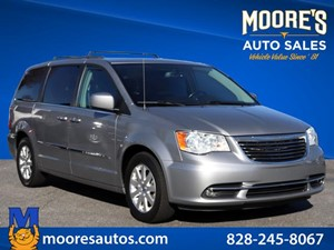 Picture of a 2016 Chrysler Town & Country Touring
