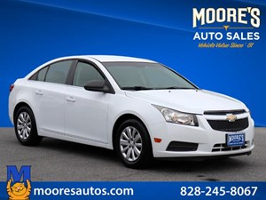 Picture of a 2011 Chevrolet Cruze LS