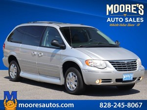 Picture of a 2005 Chrysler Town & Country Limited Vmi Handicap Van