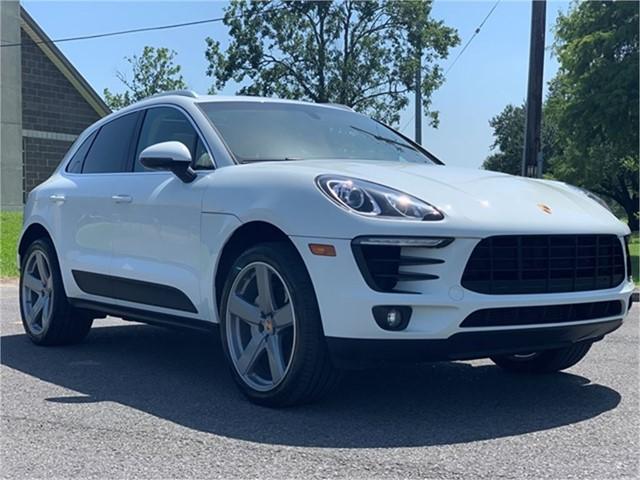 Porsche Macan S in New Orleans