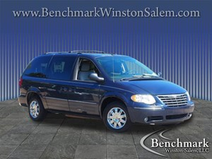 Picture of a 2007 Chrysler Town & Country Limited