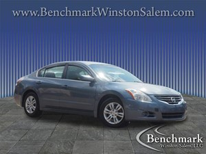 Picture of a 2010 Nissan Altima 2.5 4dr Sedan
