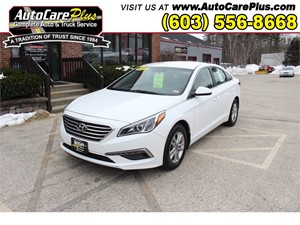 Picture of a 2015 HYUNDAI SONATA SE