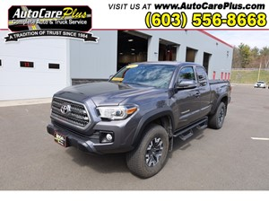 Picture of a 2017 TOYOTA TACOMA ACCESS CAB