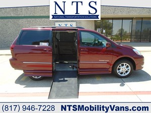 Picture of a 2005 TOYOTA SIENNA XLE