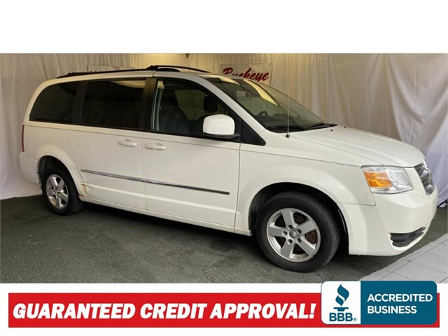 DODGE GRAND CARAVAN SXT in Akron