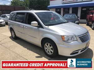 2012 CHRYSLER TOWN & COUNTRY TOURING Akron OH