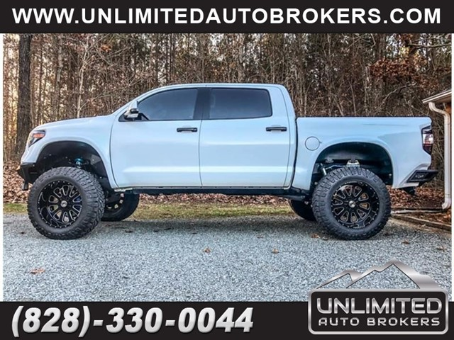 TOYOTA TUNDRA CREWMAX SR5 in Hickory