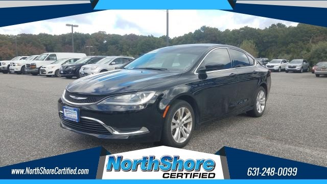 Chrysler 200 Limited in Port Jefferson