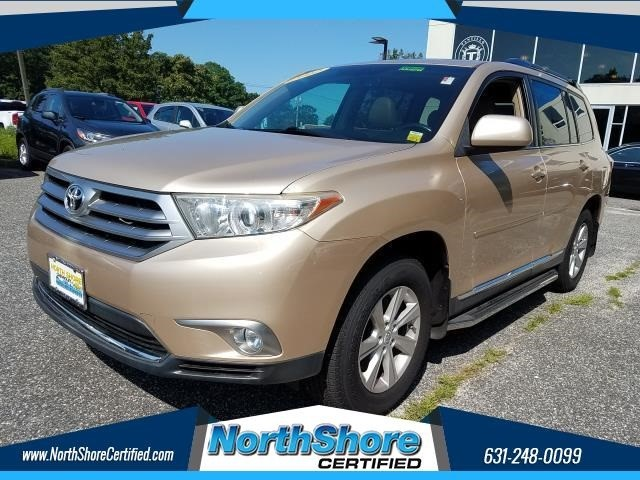 Toyota Highlander Base in Port Jefferson