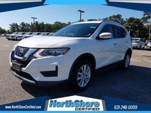 Picture of a 2017 Nissan Rogue SV