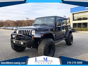 Picture of a 2013 Jeep Wrangler Unlimited Sahara