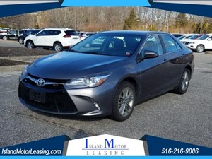 Picture of a 2017 Toyota Camry SE