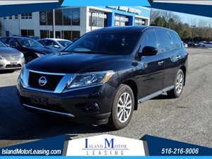 Picture of a 2015 Nissan Pathfinder S