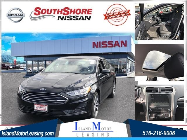 Ford Fusion SE in Hicksville