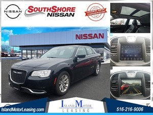 Picture of a 2017 Chrysler 300 Limited