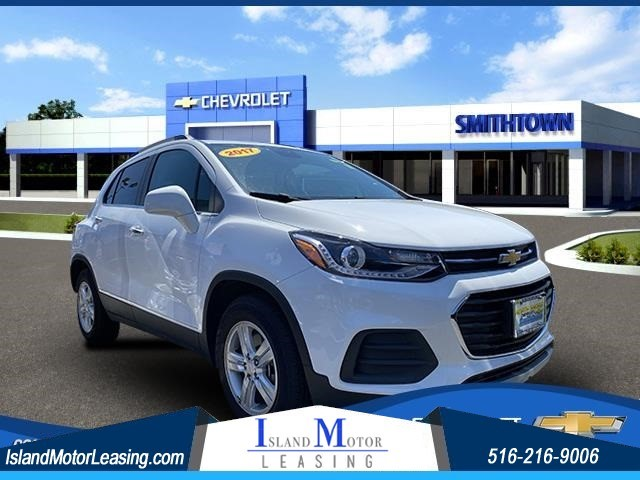 Chevrolet Trax LT in Hicksville