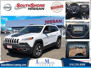 Picture of a 2017 Jeep Cherokee Trailhawk