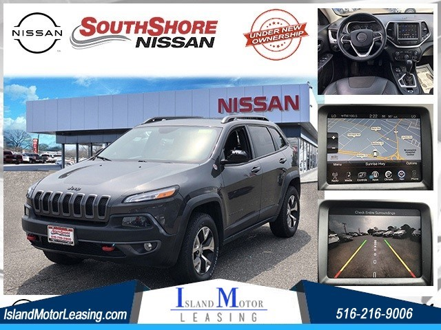 Jeep Cherokee Trailhawk in Hicksville