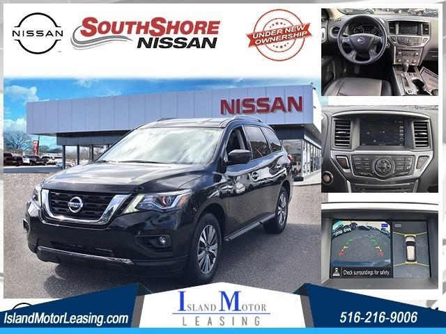 Nissan Pathfinder SL in Hicksville