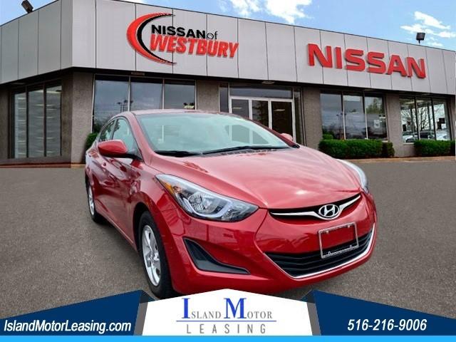 Hyundai Elantra SE in Hicksville