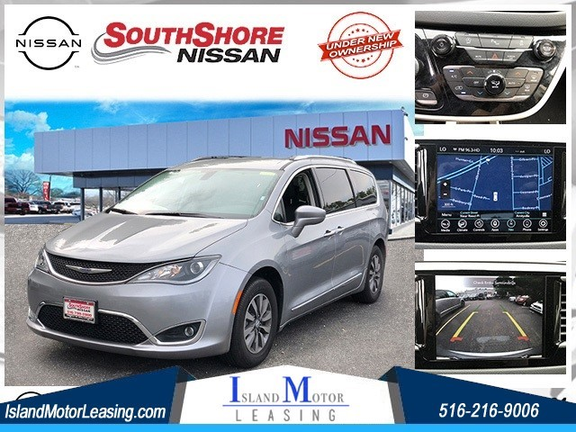 Chrysler Pacifica Touring L Plus in Hicksville