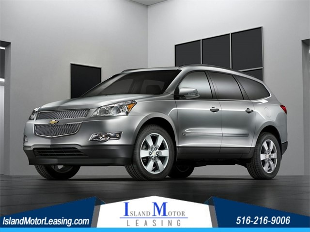 Chevrolet Traverse LT in Hicksville
